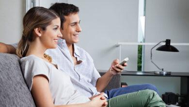couple 390x220 - 20 ویژگی مردان جذاب از نظر زنان