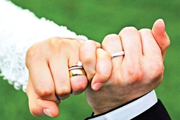 40115 495 - فیلم   عروس و داماد موتور سوار در خیابان