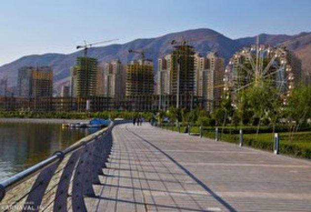 40481 658 - فیلم   قطع برق و تهرانی های معلق بین زمین و آسمان در دریاچه چیتگر