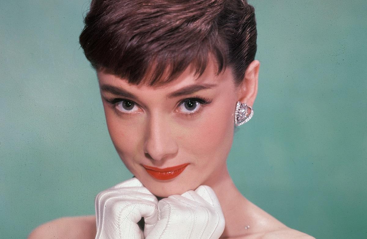 AudreyHepburn - بازیگران مشهوری که پس از مرگ جایزه گرفتند