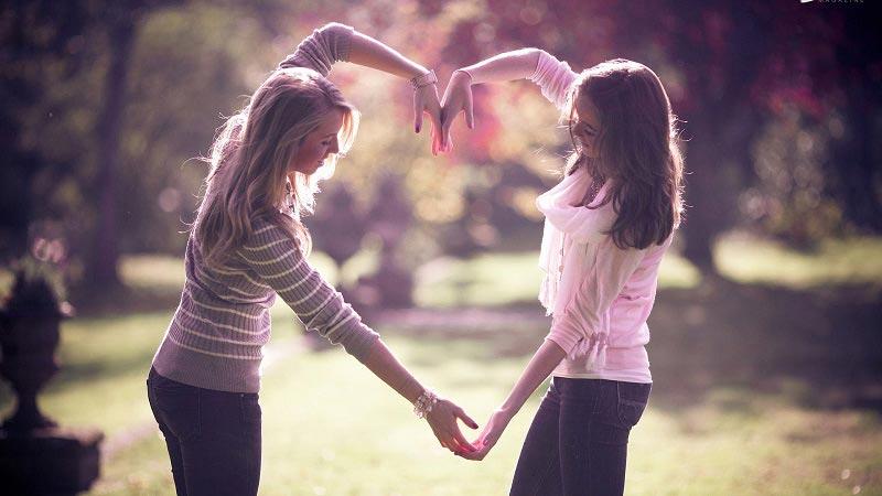 best friends love - صفات و ویژگی های یک دوست خوب