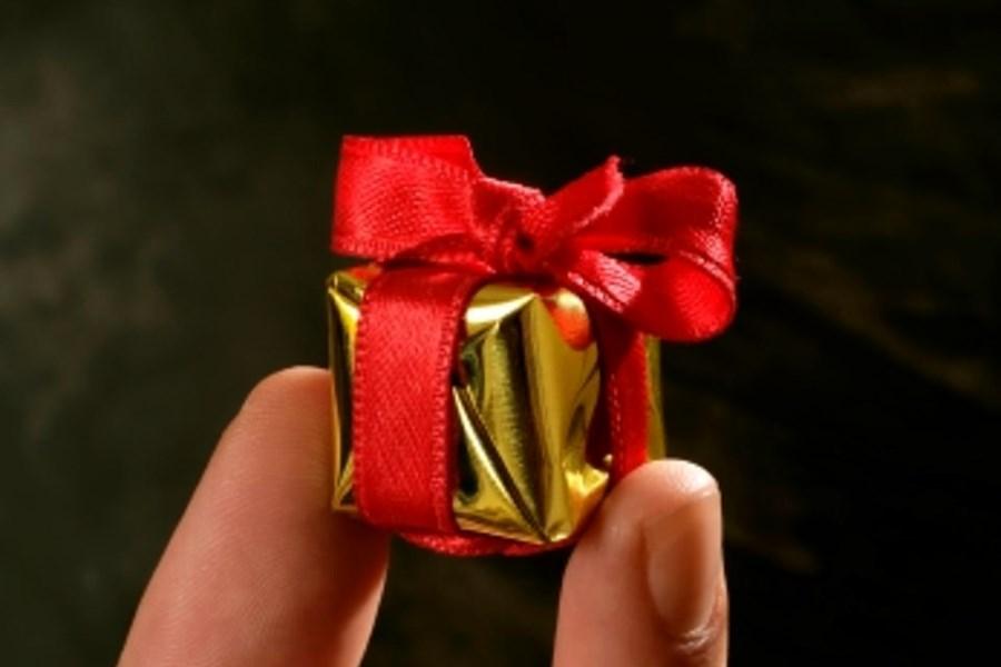 هدایای نامزدی چیست؟ همه چیز در مورد هدیه دادن در دوران نامزدی