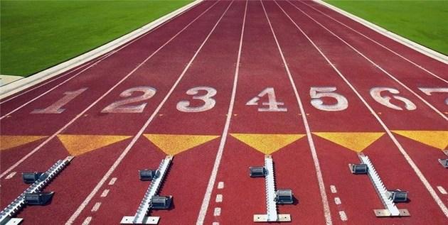43751 888 - فیلمبردار مسابقات دو میدانی که از شرکت کنندگان سریعتر میدود! +فیلم