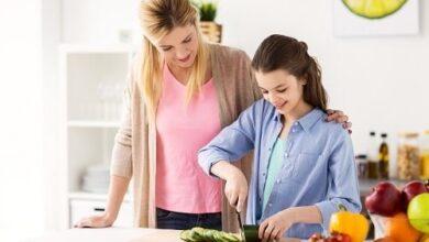 4178 min 390x220 - نحوه آموزش آشپزی به نوجوان - خانواده